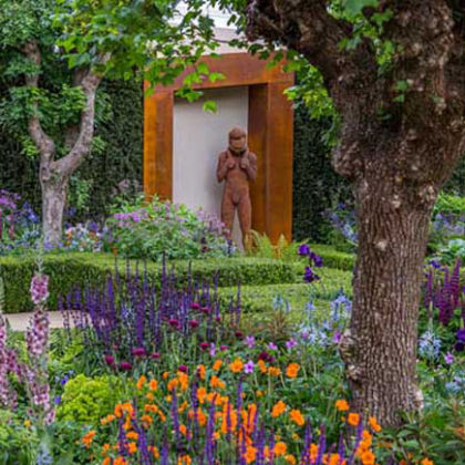 Trust, Bronze Ed. 6  196 x 68 x 46 cm  at RHS Chelsea Flower Show 2015