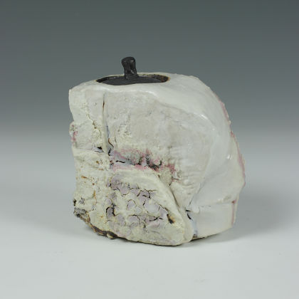 Eddie Curtis ECU6. Chai-Ire (Caddy for green tea), Stoneware with shino glaze h12 x 10 x 6 cm