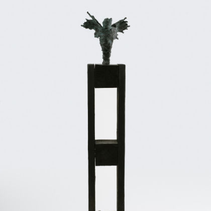 Anna Gillespie We Forget, Bronze on Found Wood Ed. 1/9 77 x 20 x 15 cm. incl. steel plate base