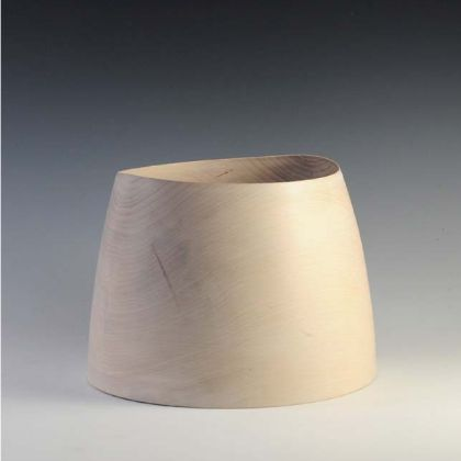 2. Beech Barrel Form	20 x 28 cm