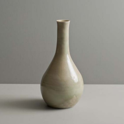 33. Bottle in watery green glaze, Wheel-thrown porcelain Ht. 25 cm.